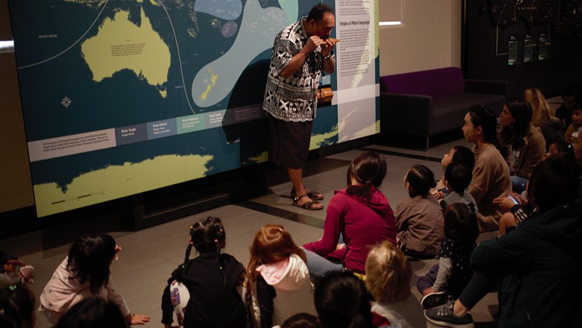 Little Earth Montessori Remuera daycare children visit Auckland Museum